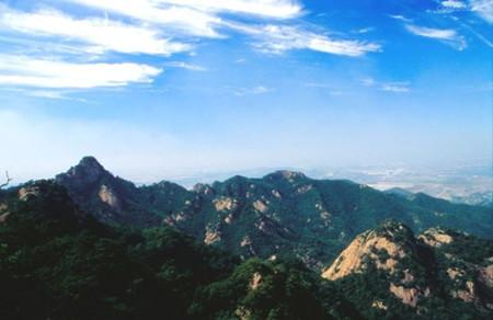 早餐后乘车赴鞍山,参观国家aaaa级风景区——【千山国家风景名胜区